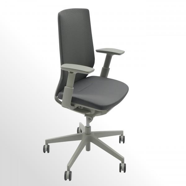 Bürodrehstuhl mit Netzrücken und Armlehnen - flexibler Sitz und Rückenlehne