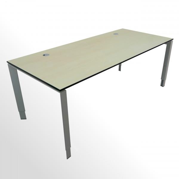Gebrauchter Steelcase Schreibtisch - mit hochwertiger Vollkernplatte - Ahorn Hell Dekor
