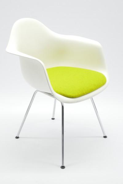 Gebrauchter Vitra Eames Plastic Armchair DAX - Besucherstuhl