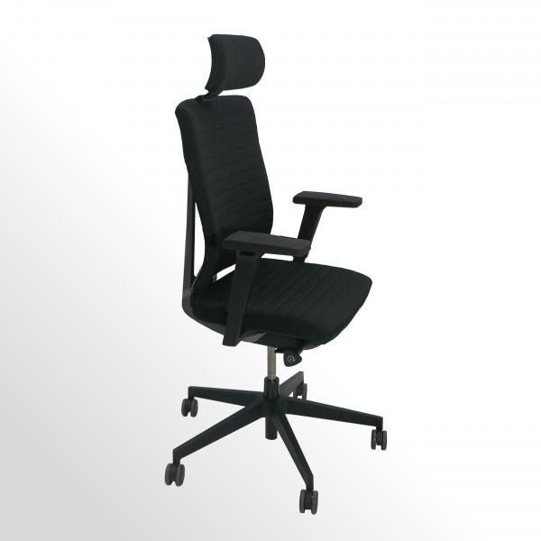 Hochwertiger Design-Bürodrehstuhl mit gestepptem Stoffbezug und Kopfstütze